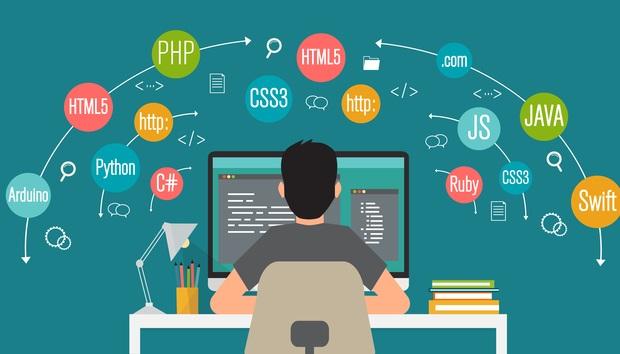 プログラミング初心者が習得すべき言語は