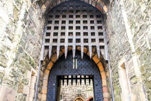 社内プロキシは城門の役割です